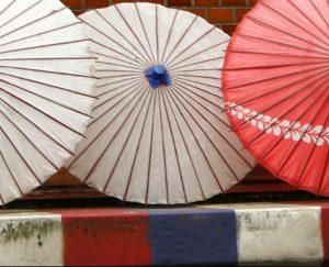 parasols-bleu-blanc-rouge-retouchee